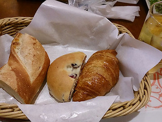 lunchbread0811.jpg